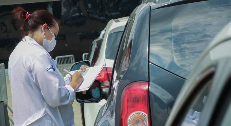 Drive-thrus de vacinação de SP fecham temporariamente a partir desta sexta-feira (4)