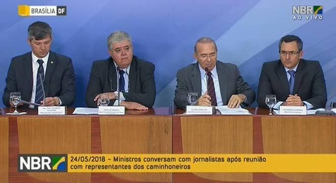 Ministros anunciaram acordo em coletiva de imprensa em Brasília