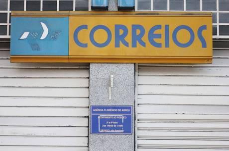 Fachada de  agência dos Correios em São Paulo