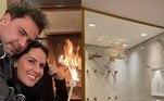 Graciele Lacerda mostrou por meio dos stories do Instagram detalhes da reforma que ela e Zezé Di Camargo estão fazendo no triplex onde irão morar. O imóvel fica em São Paulo e tem cômodos repletos de luxo, como duas lareiras, banheiro com box gigante e banheira, piscina e portas blindadas. Veja fotos e confira detalhes a seguir