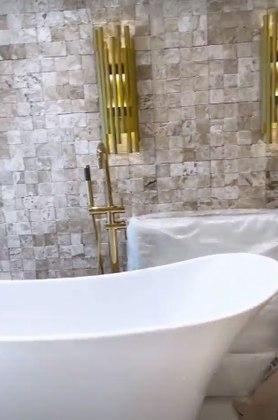 Detalhe da banheira