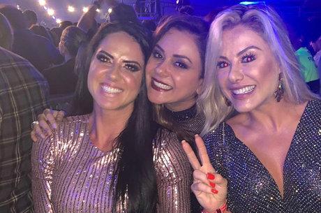 Poliana Rocha ao lado de Graciele e Marcia Alves