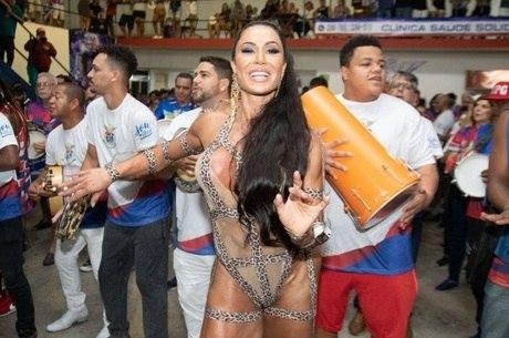 Gracyanne Barbosa: mesma dieta o ano inteiro