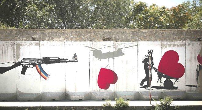Centenas de milhares de pessoas já morreram no conflito no Afeganistão