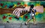 Grafite aborda questão racial, discussão que ganhou força em plena pandemia após a morte do norte americano George Floyd e outros casos de mortes e agressões contra a população negra de baixa renda