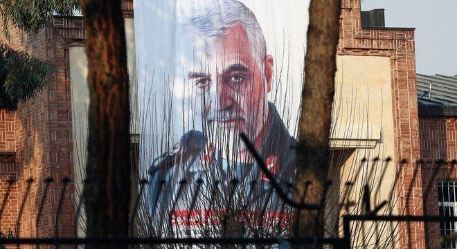 Homenagem a Soleimani em Teerã; morte do general parece ter fortalecido aind mais a ligação entre Irã e Iraque