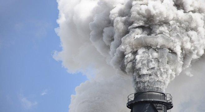 'Nos concentramos nas empresas de combustíveis fósseis que, em nossa opinião, produziram e venderam esses combustíveis a bilhões de consumidores com o conhecimento de que seu uso conforme previsto vai piorar a crise climática', diz Heede