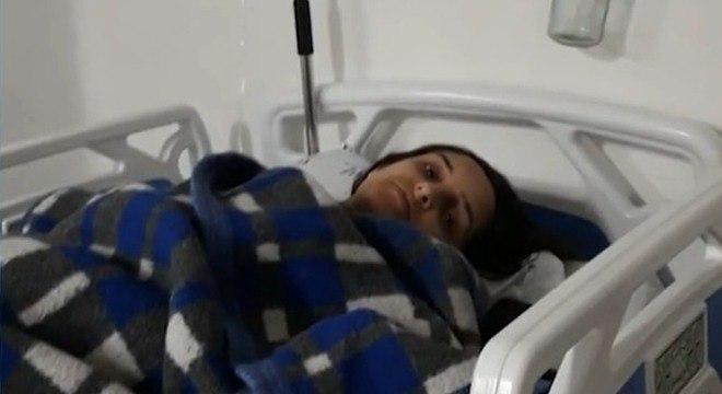 Daiany Franco, de 31 anos, já no hospital após perder o bebê