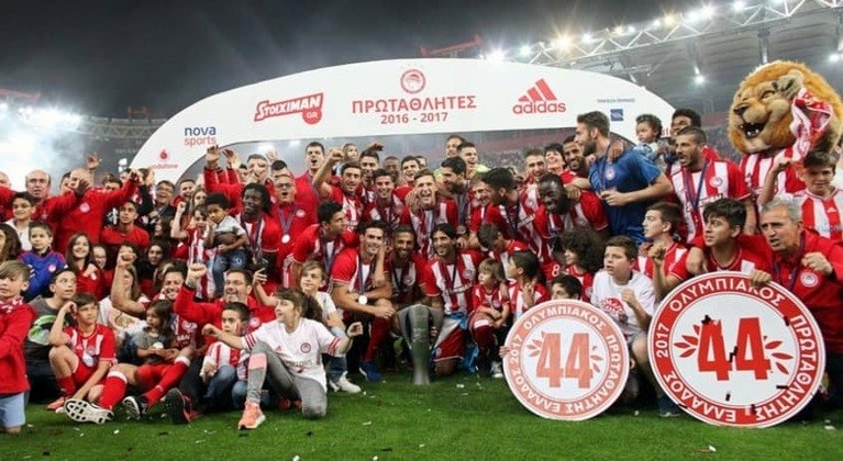 Grécia - Olympiakos - 45 títulos