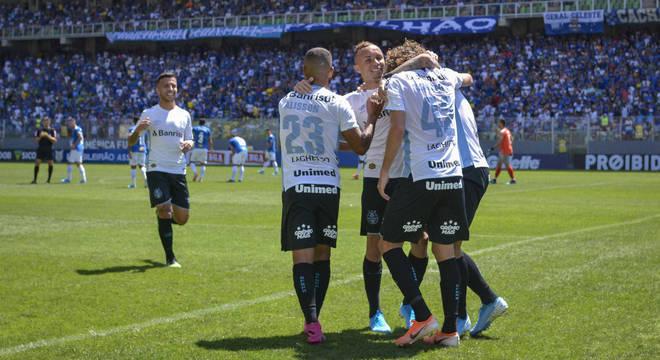 Grêmio fez o que quis com o Cruzeiro. 4 a 1 foi muito pouco para os gaúchos