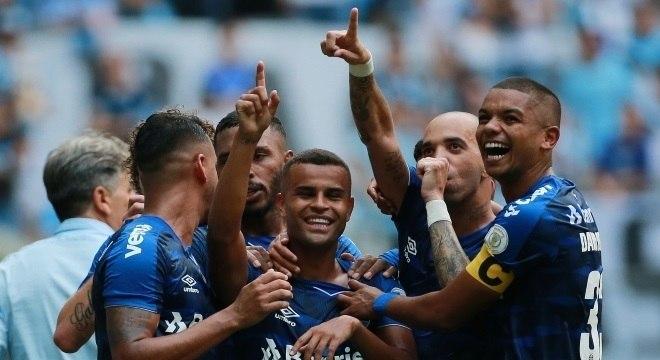 Gaúchos assumem oitava colocação do campeonato