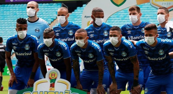 Dirigentes brasileiros não se importam com a pandemia. Querem jogos de volta