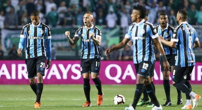 A celebração do Grêmio, através de Everton Cebolinha