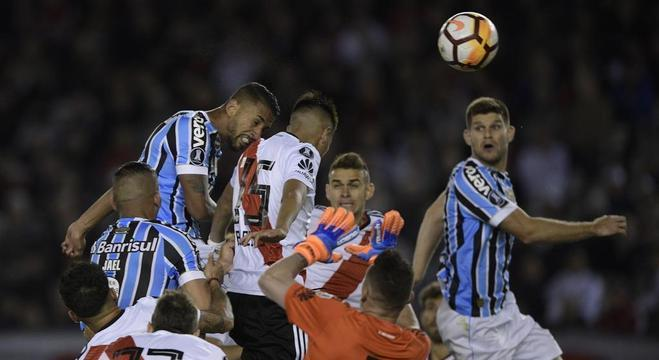 O gol de Michel, em Buenos Aires