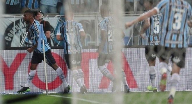 Grêmio 1 X 0, a celebração de Leonardo Gomes