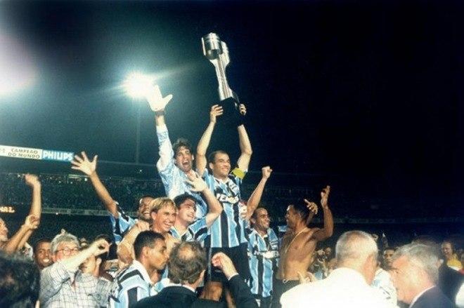 Grêmio - 8 títulos: dois Campeonatos Brasileiros, cinco Copas do Brasil e uma Supercopa do Brasil