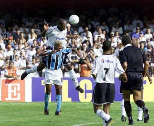 Grêmio e Corinthians disputaram a primeira final de Copa do Brasil no século XXI. Após empate por 2 a 2 no Olímpico na ida, o Tricolor gaúcho sagrou-se tetracampeão do torneio nacional ao vencer por 3 a 1 no Morumbi. O Grêmio era comandado por Tite, atual técnico da Seleção Brasileira.