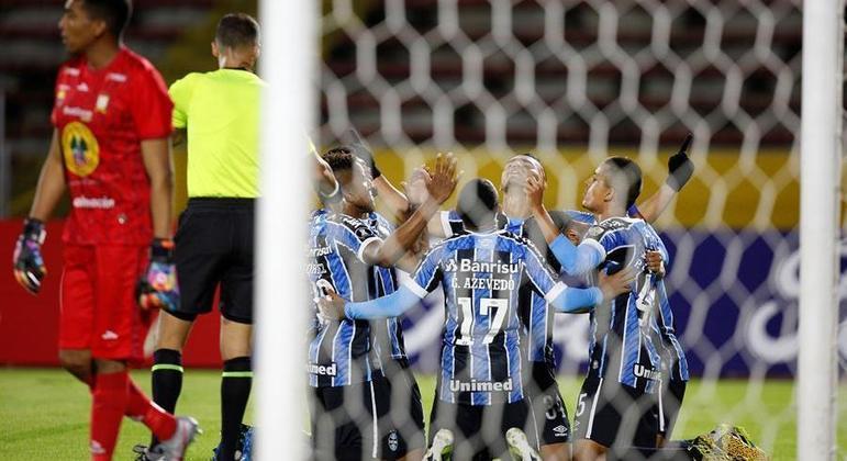 Mesmo com time de jovens, Grêmio não sofreu para se classificar contra o Ayacucho