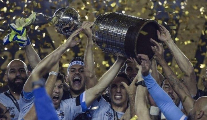 Grêmio: O Grêmio tem 6 títulos internacionais (1 Mundial, 3 Libertadores e 2 Recopas Sul-Americanas)