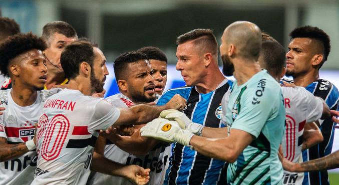Grêmio venceu São Paulo (1 a 0) e saiu na frente na briga por vaga à final