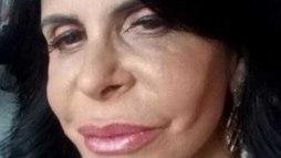 Mal chegou ao Brasil e Gretchen já aumentou a boca, de novo: 'Bocão, gente' ()