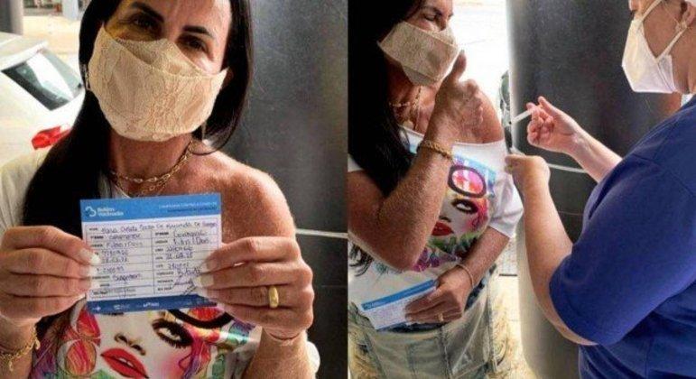 Cantora exibiu cartão de vacinação em publicação nas redes sociais
