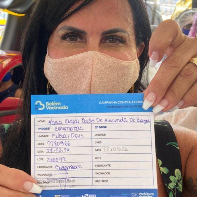 Cantora mostrou comprovante da vacina no Instagram