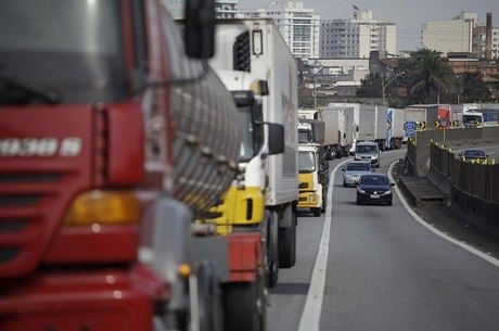 Dedéco: Caminhoneiros decidiram antecipar a greve