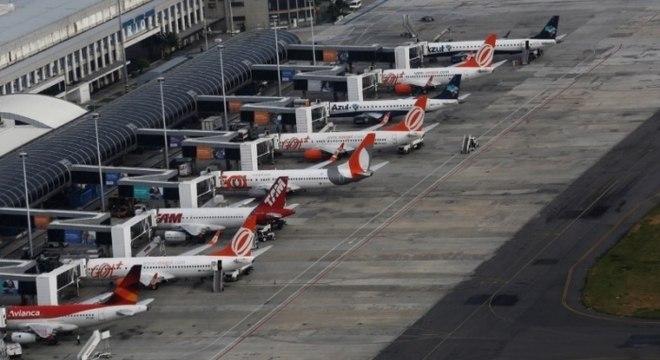 Greve dos caminhoneiros teve forte impacto sobre a aviação comercial
