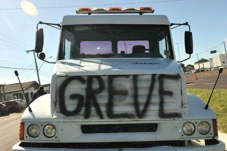 Greve dos caminhoneiros afeta indústria de alimentos