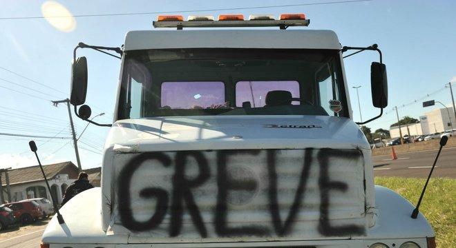 Greve dos caminhoneiros completou cinco dias nesta sexta-feira Crédito: Alina Souza