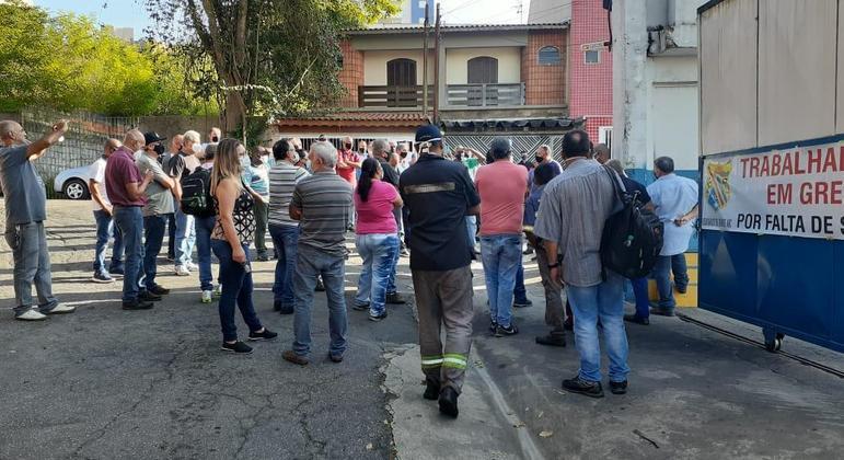Motoristas de ônibus do ABC Paulista paralisaram transporte público na região em protesto