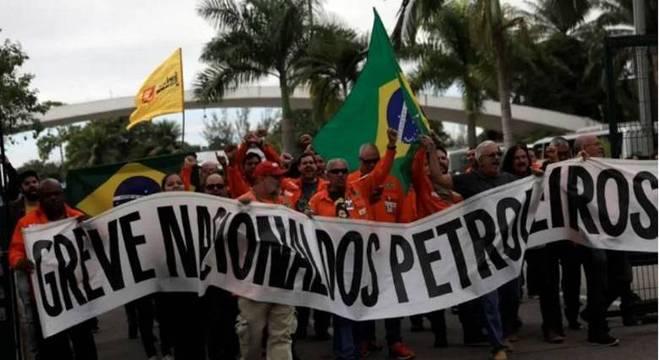 Protesto de empregados da Petrobrás ligados à Federação Única dos Petroleiros