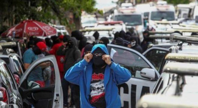 Policiais em greve decidiram voltar ao trabalho