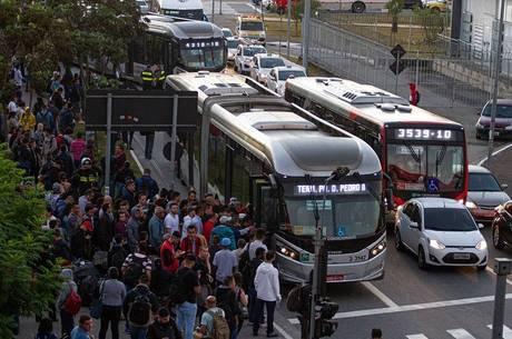 Greve de ônibus em São Paulo