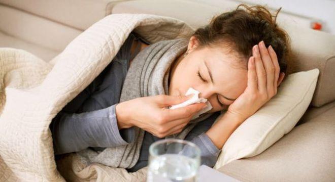 O vírus da gripe permite que a as bactérias da pneumonia se proliferem