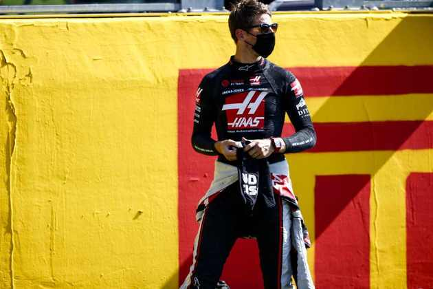 Grosjean foi o último colocado entre os competidores que terminaram a prova