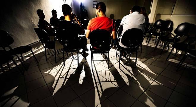 Em grupo socioeducativo, homens falam sobre violências diárias contra mulheres