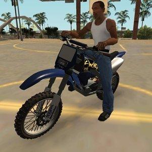 """O personagem principal do jogo, CJ na motocross """"Sanchez"""" em San Andreas"""