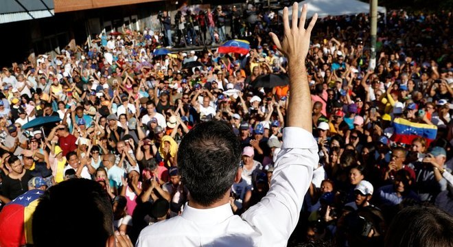 Segundo Guaidó, seu 'poderoso respaldo popular' é uma das razões pelas quais ele não foi preso
