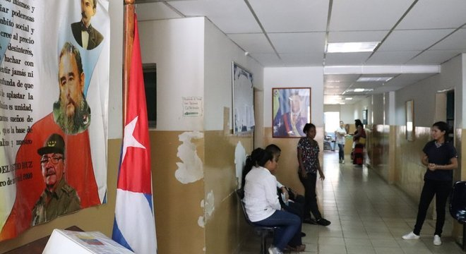 Neste centro médico em Guanta, onde os médicos cubanos trabalham, não há antibióticos para responder a infecções respiratórias