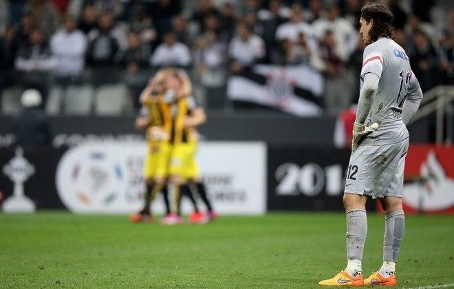 Corinthians 0 x 1 Guaraní-PAR (2015) —Depois de perder por 2 a 0 no Paraguai, o Corinthians precisava da vitória em casa para seguir na Libertadores, mas caiu por 1 a 0 e deixou a competição nas oitavas de final