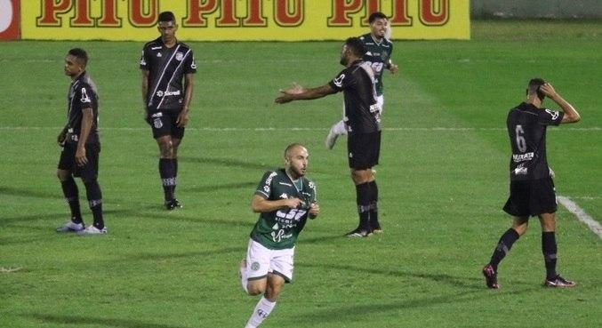 Meia Régis faz o gol da vitória do Guarani nos minutos finais do derby