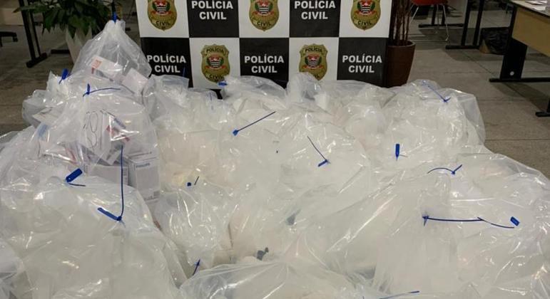 Polícia localiza meia tonelada de cocaína em esconderijo em Guararema