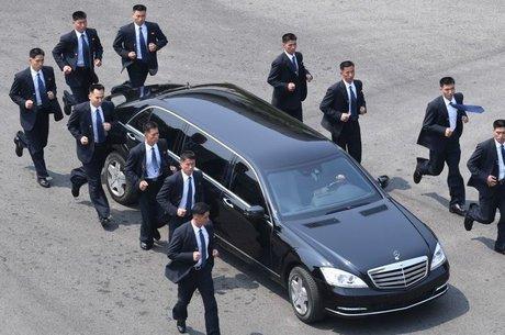 Seguranças de Kim Jong-un devem ter mesma altura que o líder e boas habilidades de observação
