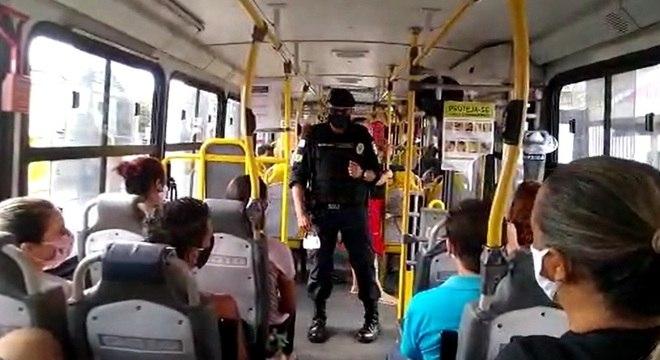 Guardas alertaram população de BH sobre uso obrigatório das máscaras