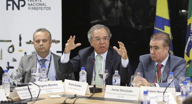 Guedes fala sobre a Reforma da Previdência em encontro com prefeitos