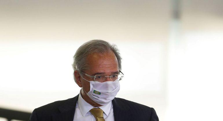 "Paulo Guedes: ""O auxílio emergencial é para a pandemia"""