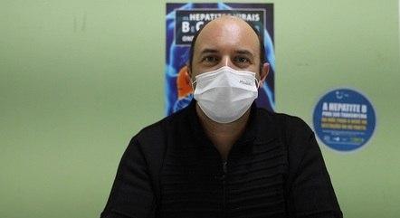 Médico alerta para necessidade de uso de máscaras