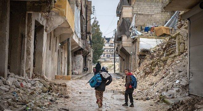 Cerca de 40% dos deslocados forçados são menores de idade, afirma a Acnur